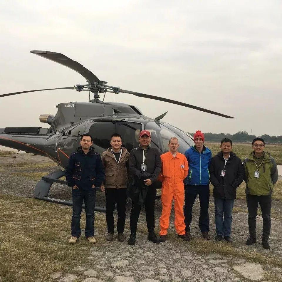 [其他] #滑极致野雪,阿尔泰山野雪公园新购EC130直升机登场!